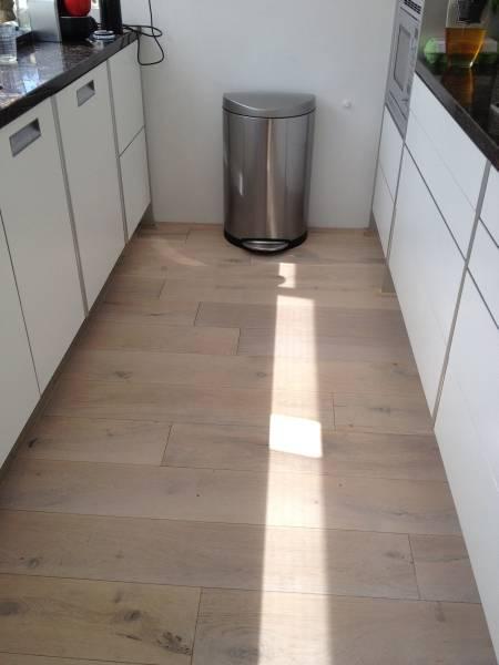 Prefab vloeren leggen bebo parket - Hardhouten vloeren vloerverwarming ...