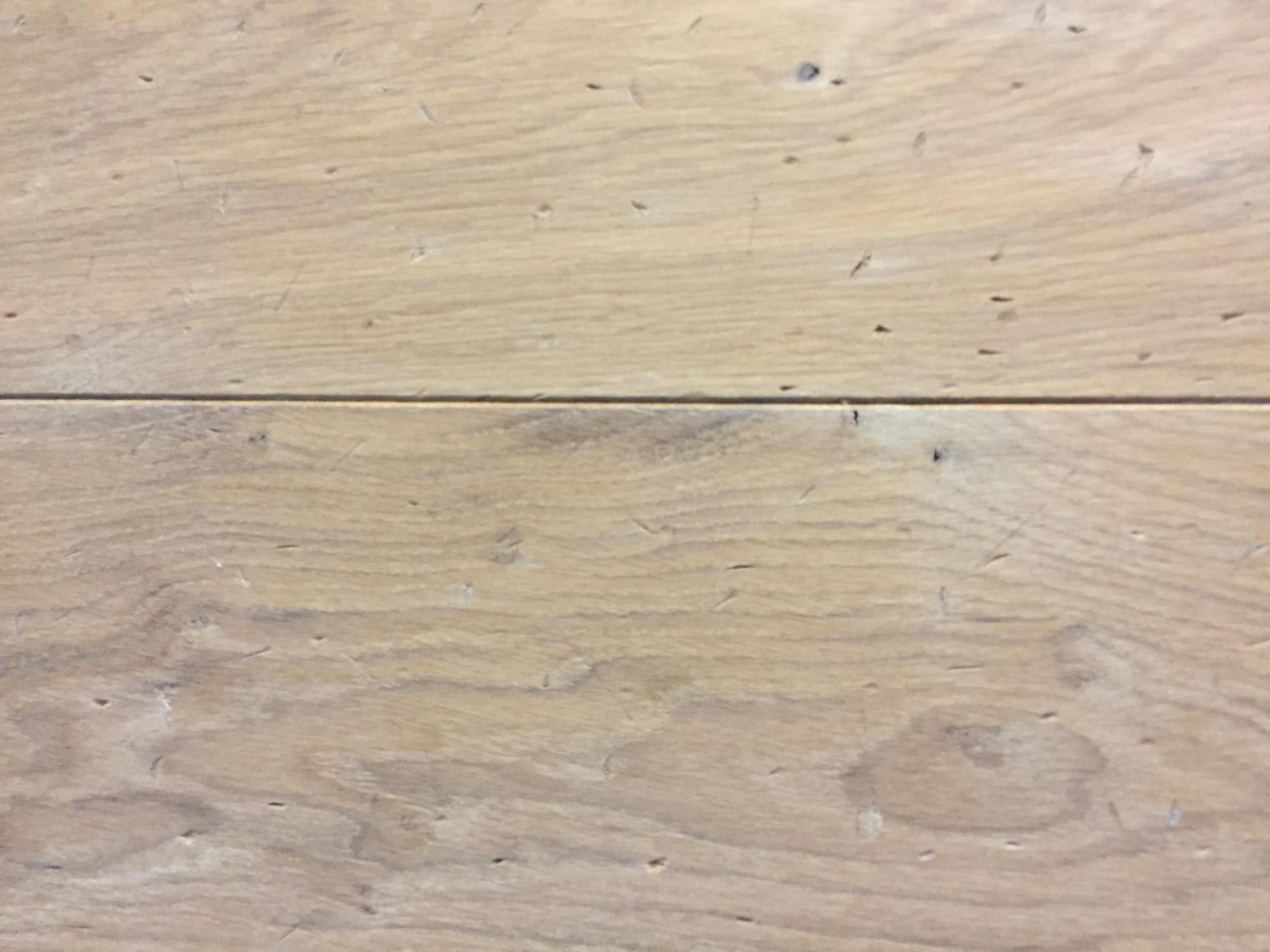 Betonlook tegels antraciet ge bineerd met houtlook tegels voor