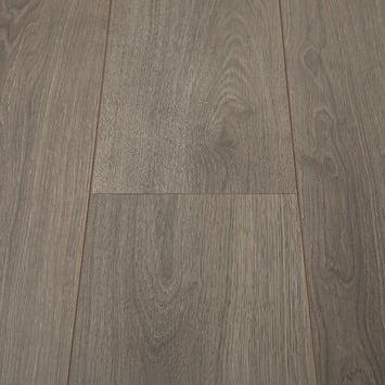 bruin laminaat brede plank zonder v groef en voelbare houtstructuur 8 millimeter dik