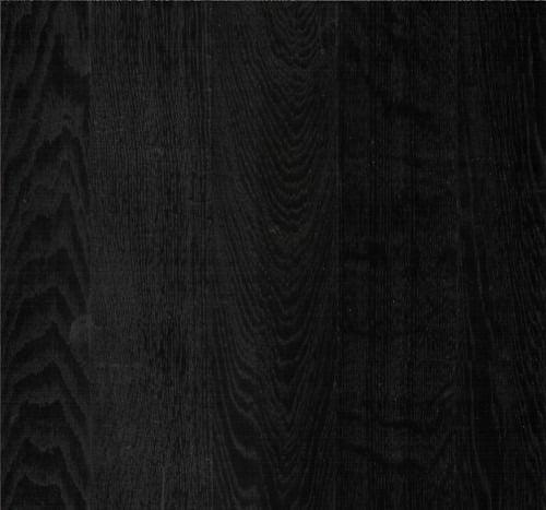 zwart laminaat brede plank met v groef en voelbare houtstructuur 8 millimeter dik